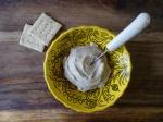 Веганский быстрый крем-сыр из миндаля