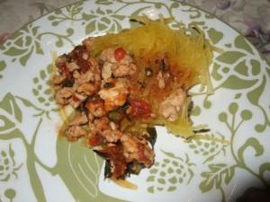 Спагетти из тыквы сквош с соусом по-итальянски