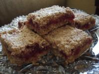 Песочное пирожное с начинкой