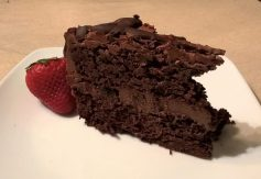 chocolate strawberry cake1_o